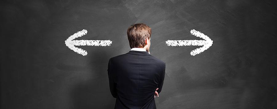 Opzioni binarie: trader davanti una scelta binaria